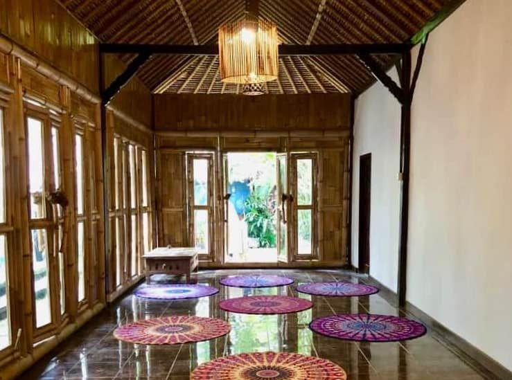 Maharaja Pavillion Meditation Yoga Retreat Mansion Wellness Bali Ubud web crop